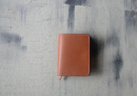 革 折り財布